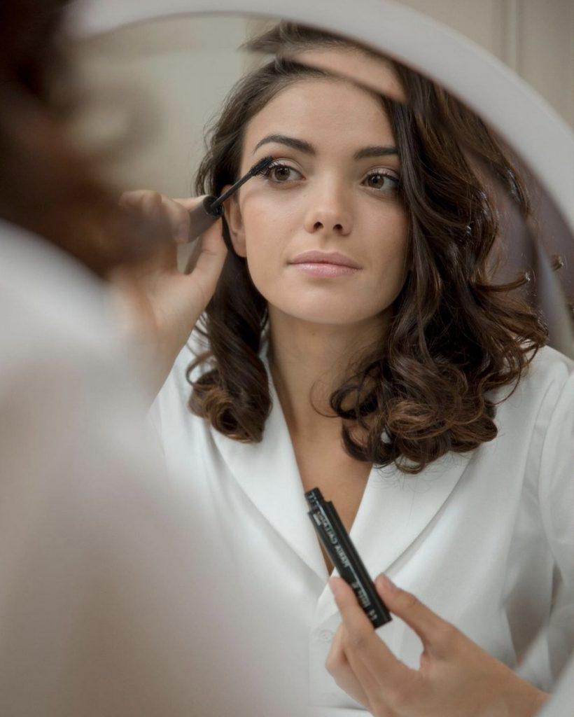Devenez autonome et splendide après les cours de maquillage dispensé par Agnès votre esthéticienne.